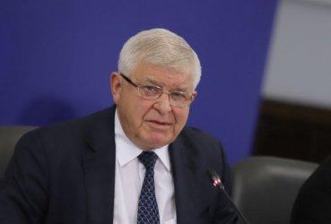 Ананиев за падналите запори срещу Божков: В НАП не са некадърни