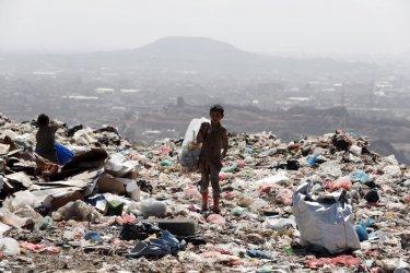 Едно от шест деца в света живее в крайна бедност