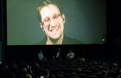 Едуард Сноудън възнамерява да кандидатства за руско гражданство