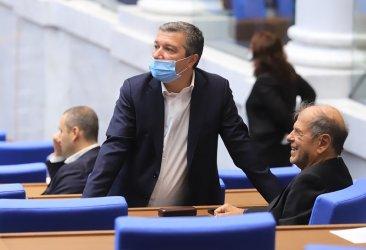 Депутатът от БСП Драгомир Стойнев е с коронавирус