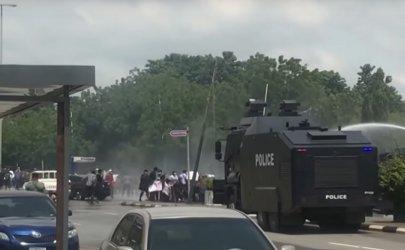 Войници стреляха по мирен протест в Нигерия, има убити