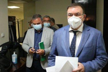 Разнобой между Кунчев и Ангелов за оставката на шефа на РЗИ