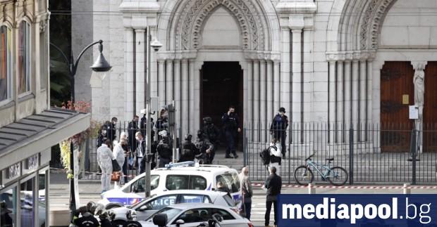 Френските власти са задържали снощи 47-годишен мъж, заподозрян, че е