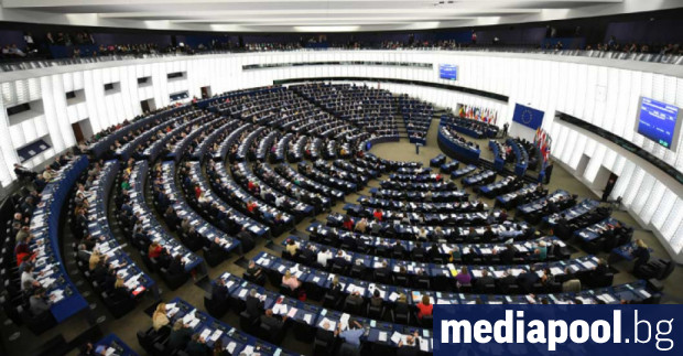 The European Parliament adopted an unprecedented Thursday with 358 votes