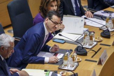 Поляците остават ентусиазирани към ЕС въпреки споровете за бюджета