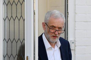 Бившият водач на британските лейбъристи Корбин вече няма право да бъде депутат