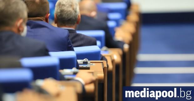 Депутатите се събират на извънредно заседание във вторник заради бюджетите