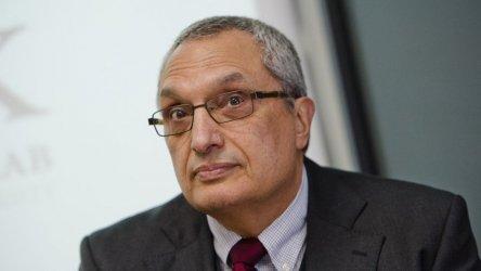 Костов: В българската политика влизат като на пикник, за да се нахранят