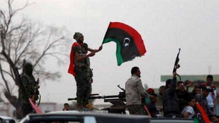Враждуващите сили в Либия са прекратили огъня, но не се изтеглят