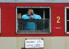 БДЖ събира съвети за по-добри услуги, но обезщетение за закъснял влак – чак през 2026 г.