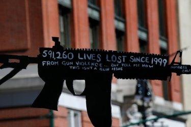 Големите оръжейни компании продават все повече оръжие