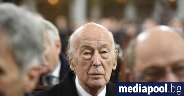 Бившият френски президент Валери Жискар д'Естен почина снощи на 94-годишна