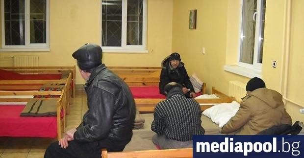 Бездомни хора са принудени да плащат за PCR изследвания със