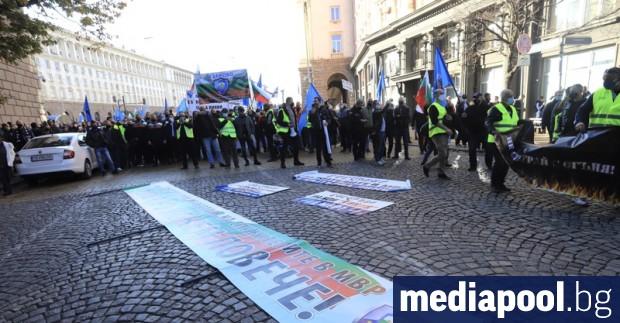 Полицаите излизат на пореден протест с искане за 30 процента
