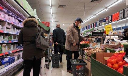 Предколедното пазаруване: Без сериозни нарушения на противоепидемичните мерки