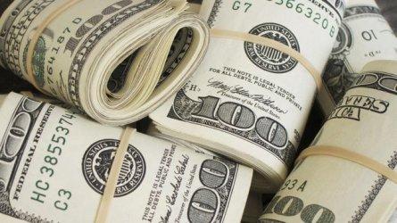 Конгресът на САЩ приема пакет за 900 млрд. долара в помощ на бизнеса