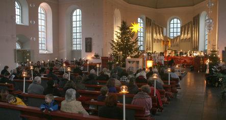 Половината германци са за забрана на коледните религиозни служби