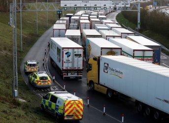 Франция отвори границата, трафикът от Великобритания е подновен