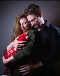 Сноудън стана баща