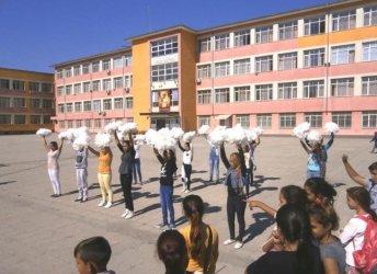 40% от младежите роми са със средно образование