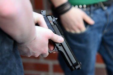 Стрелба след скандал в уж затворено заведение