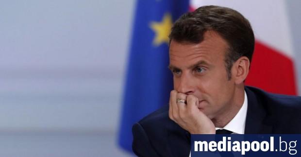 Френският президент Еманюел Макрон вече не проявява симптоми на коронавирус