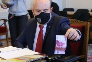 От Брюксел питат Гешев докъде стигна с разследванията за пачките в спалнята, къщата в Барселона и пр.