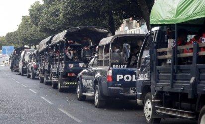 Стотици са арестувани при военния преврат в Мианма