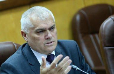 """Бившият вътрешен министър подписал с """"чиста съвест"""" сделката за джиповете"""