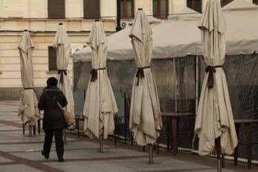 Помощта от над 200 млн. лв. за затворените бизнеси се бави