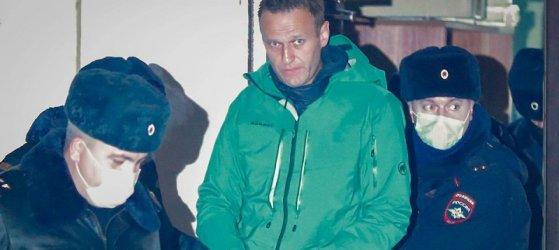 Руски съд остави Навални в ареста и отхвърли жалбата му