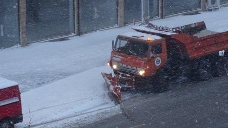 Източна България е в снежен капан, бедствие в областите Варна и Добрич