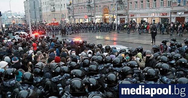 Руската полиция увеличи разследванията, обиските и арестите, насочени срещу намиращия
