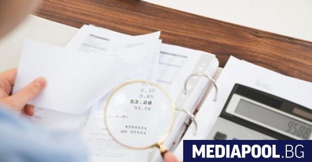 Лидерът на БСП Корнелия Нинова призова управляващите да освободят фирмите
