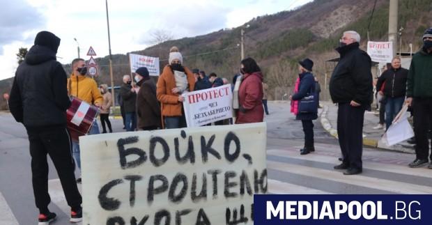 """Жители на на столичните квартали """"Панчарево"""" и """"Кокаляне"""" блокираха в"""