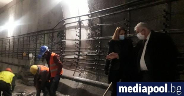 """Няколко са причините за деформация на """"най-екстремния участък"""" от метрото,"""