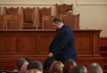 ДПС минус Пеевски: какво означава отсъствието му