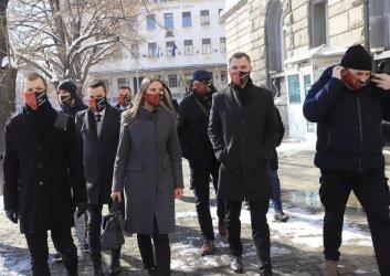 """ВМРО, Сидеров, """"Има такъв народ"""" и Москов се регистрираха за изборите"""
