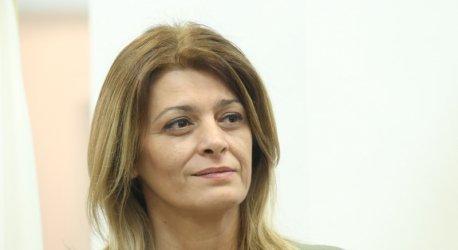 Съпругата на президента е с Covid-19