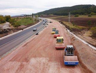 За два часа се спира движението от 9-ти до 10-ти км на пътя Калотина - Драгоман