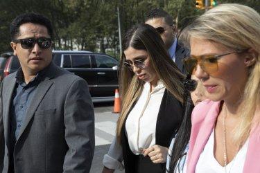 САЩ арестува съпругата на мексиканския наркобарон Ел Чапо