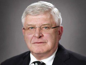 Бюджетът почти не е пострадал от спирането на лотариите на Божков