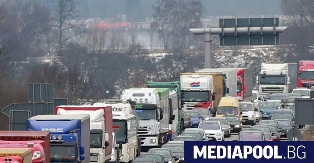 Германия заяви, че ще запази последните ограничения по границите си,