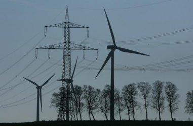 ЦИД: Моменталната замяна на ТЕЦ с ВЕИ е най-евтиният зелен преход