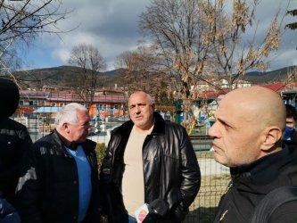 Борисов обеща средната учителска заплата да стане 2500 лв.