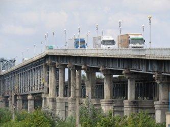 Пет оферти за проектиране на ремонта на Дунав мост при Русе