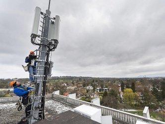 Без търг КРС разпредели 5G честотите