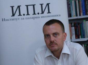 България може да завърши годината с над 3% ръст на БВП при ваксинация на населението