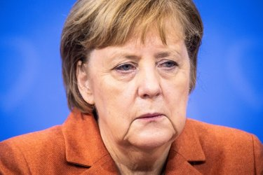 Консерваторите на Меркел стартират с проблеми една ключова изборна година