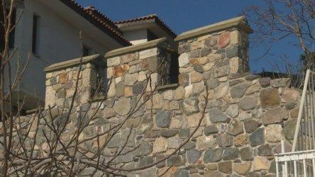 Как крепостната стена на Созопол се оказа незаконна
